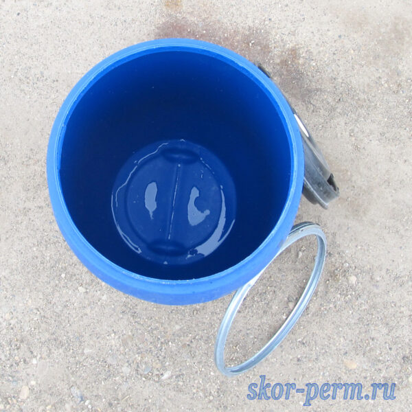 Бочка пластиковая 165 литров с крышкой