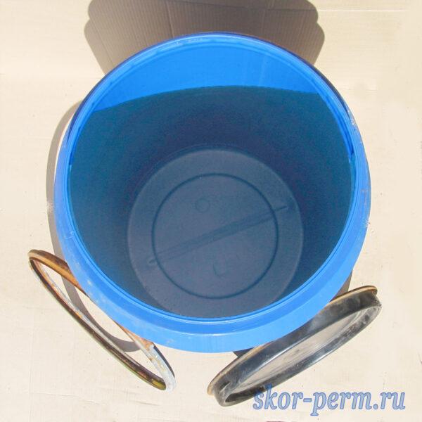Бочка пластиковая 250 литров с крышкой